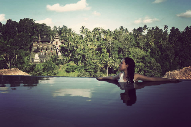 Gallivant travel like a man for Hanging garden pool ubud