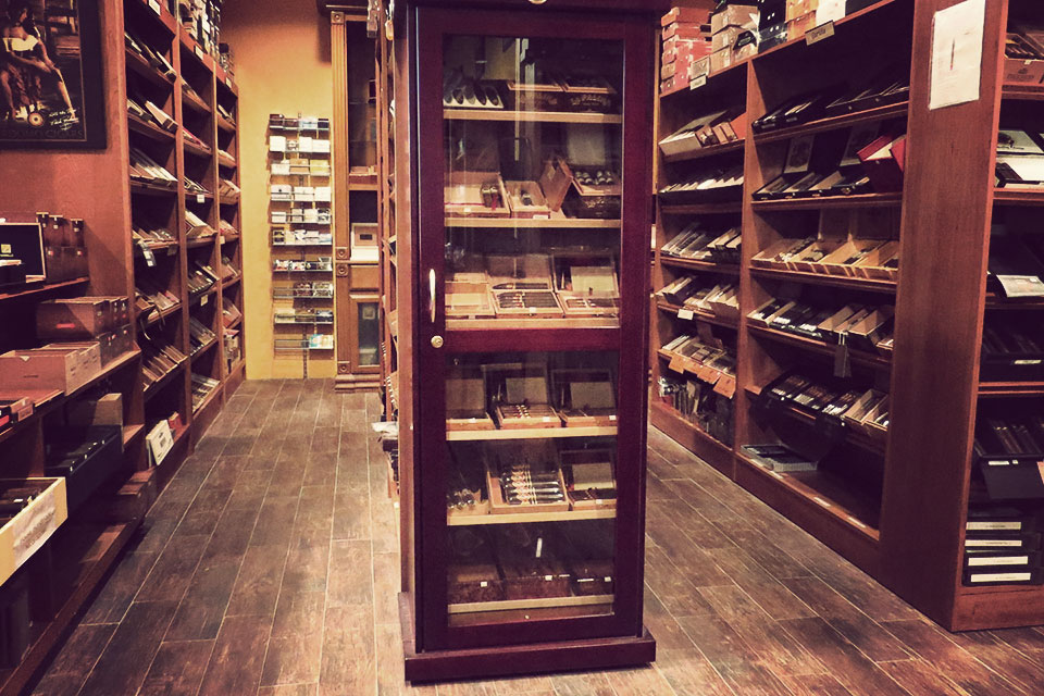 21º Cigars & Accessories